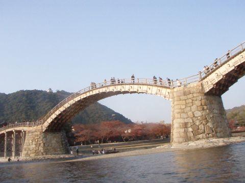 錦帯橋に接近中…