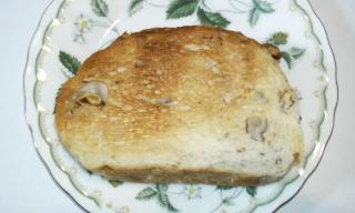 クルミブレット トースト 断面
