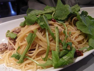 サルシッチャとドライトマトとルッコラのアーリオオーリオのパスタ
