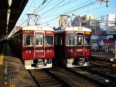 7037F+8001F 通勤急行梅田行
