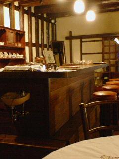 喫茶店。山本