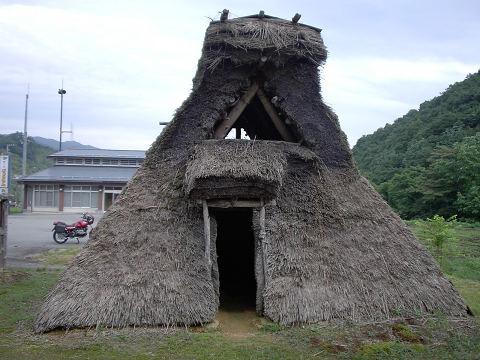 竪穴式住居?