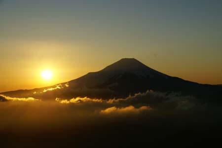富士山の夕陽(檜洞丸より)