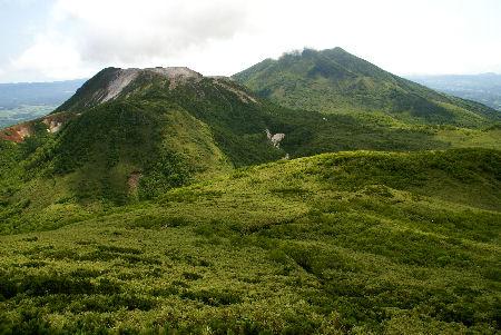 20090716 1イワオヌプリ・ニセコアンヌプリ(ニトヌプリ山頂より)