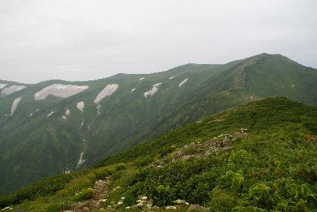 20090806 2飯豊本山(草履塚山頂より)