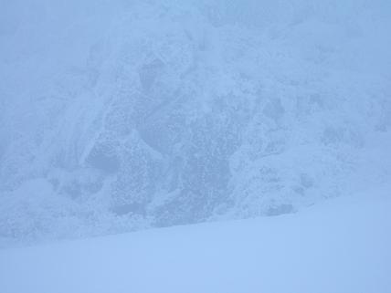 中央稜B壁視界不良-1