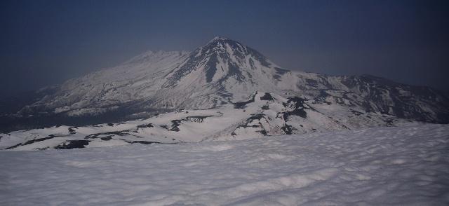山頂から羅臼岳