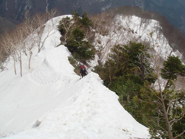 残雪を楽しむ-1