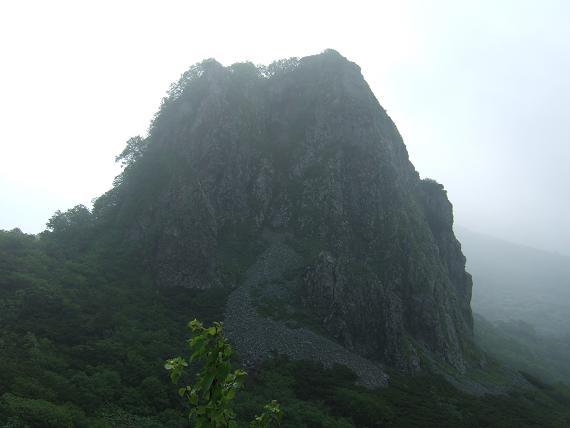 ガマ岩-1