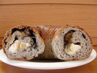輪粉 黒ごまバナナクリームチーズ2