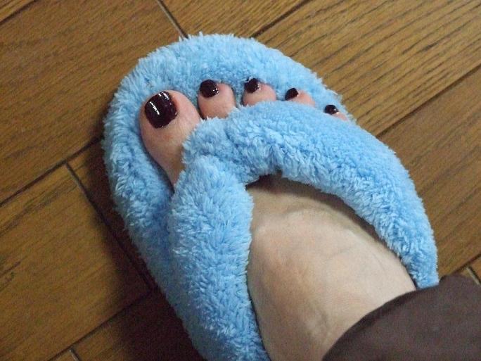 私の足・・・(*/∇\*)キャ