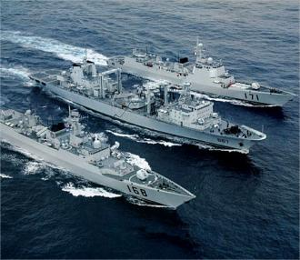 ソマリア派遣中国軍艦