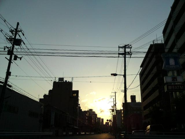 朝焼けた街