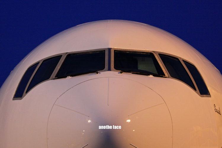 1105-B777-nose.jpg