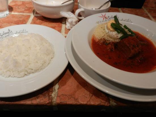 肉とソーセージのトマトシチュー+(2)