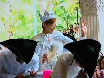 これぞまさに白馬の王子?!