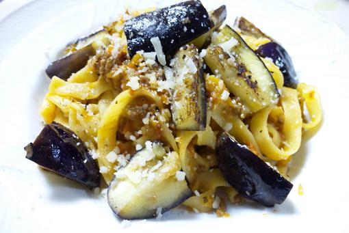 bolognese with eggplant