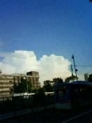 嵐の前の青空
