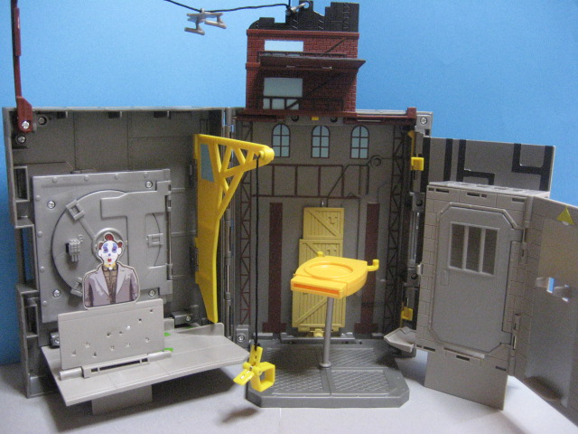 LAIR OF THE JOKER X-PANDABLES PLAY SET