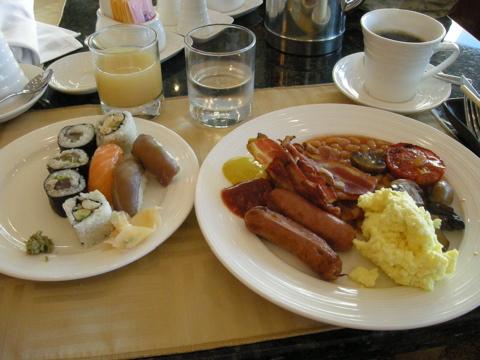 スシと朝食