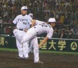 藤川球児とコーチ