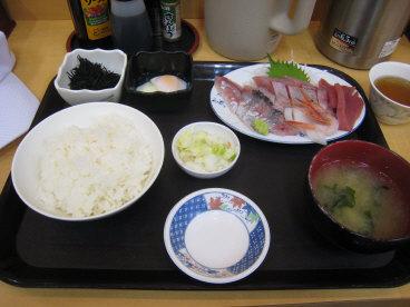 08-09新潟市場内の海鮮定食