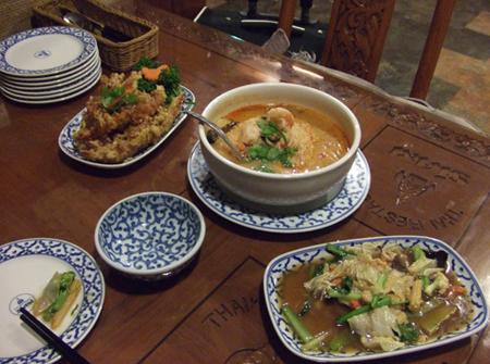 タイ料理1_081201