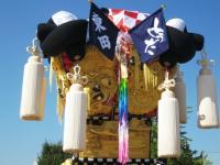 08.10.16 千羽鶴が飾られました。 border=