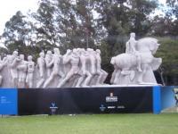 14日 イビラプエラ公園の記念碑