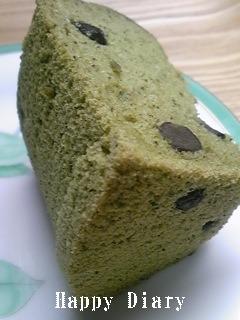 抹茶小豆シフォンのカット