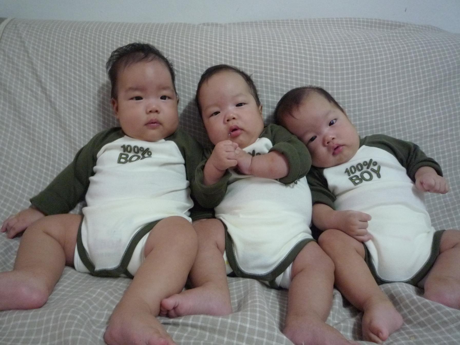 三つ子(4ヶ月)
