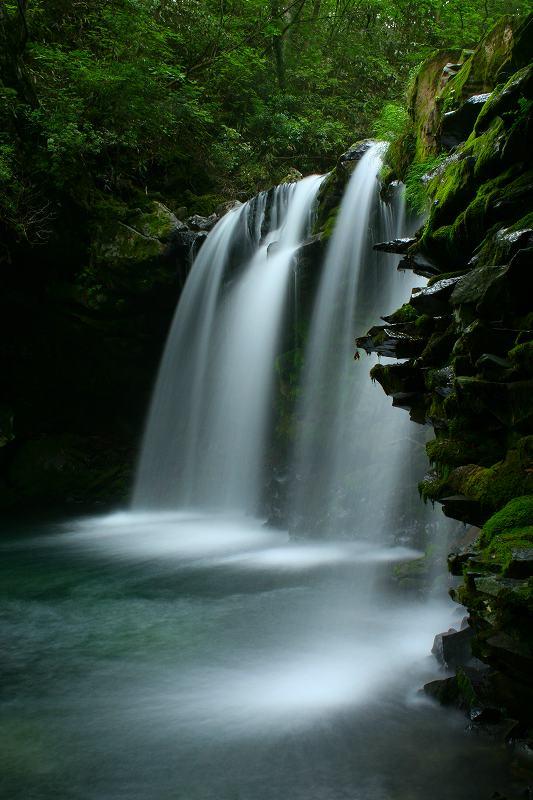 暮雨の滝2