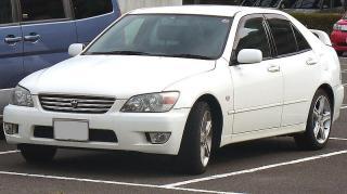800px-Toyota_Altezza.jpg