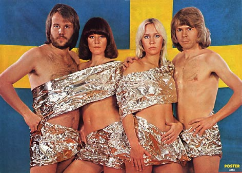 1975_abba_w_swedish_flag.jpg