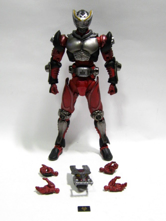 龍騎 008