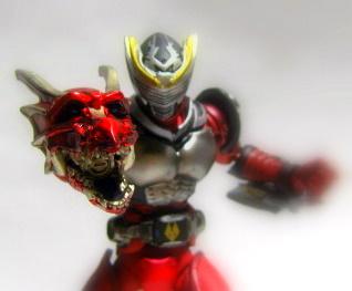 龍騎 004