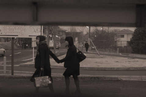 バス停へ。