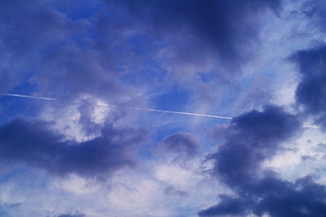 ひこうき雲。