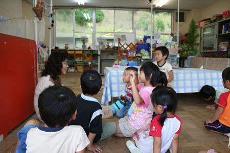 小学校の教室。