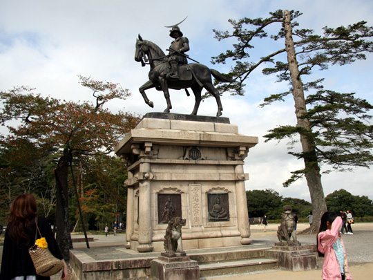 青葉城伊達政宗の騎馬像
