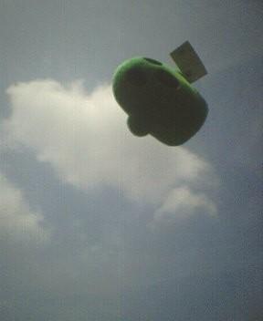 空飛ぶはにーさん