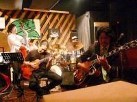3rd set セッション!ボスコネコさんも新しいギターで参戦!