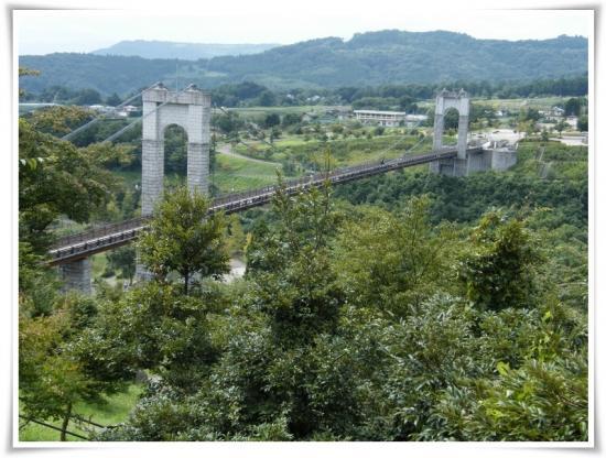 風の釣り橋