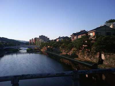中の橋から卯辰山方向