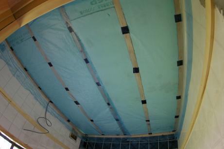 天井防湿ビニール