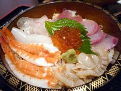 大分・別府のおさかな工房「浜商」内の浜鮨でちらし寿司ランチ。