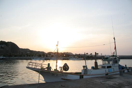 港の夕暮れ1
