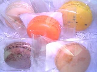 『ジェラール・ミュロ』(高島屋 横浜店 B1 本店はパリ)のマカロン(5個入り788円 1個158円)