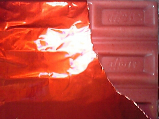 リッチストロベリーチョコレート(明治 210円(セブンイレブンで購入)45gあたり272Kcal)