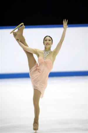 2006全日本フィギュアスケート選手権・3位に入賞し、世界選手権の切符をつかんだ中野友加里のY字スパイラル・シークエンス(写真:スポーツナビ)